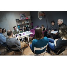 Debates in English (12)